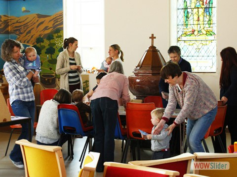 Parents & Grandparents come to Seedlings on Thursdays 10-11.30am.